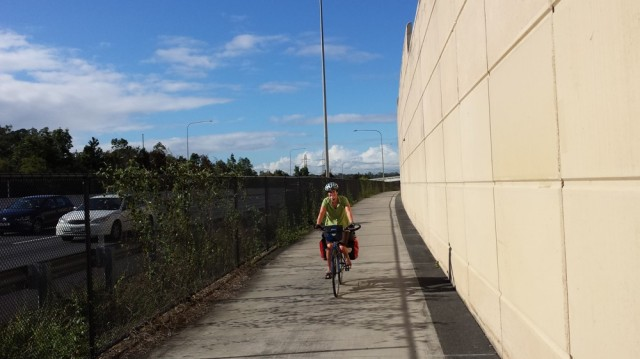 The V1 cycle path next to the motorway